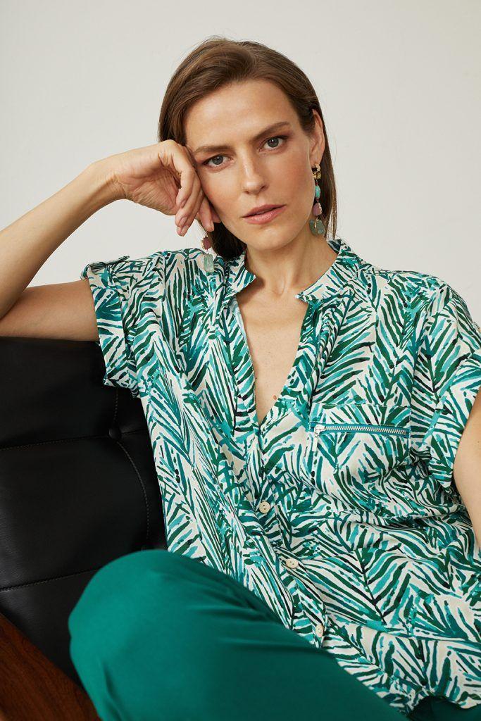 blusa paz torras-con hojas verdes